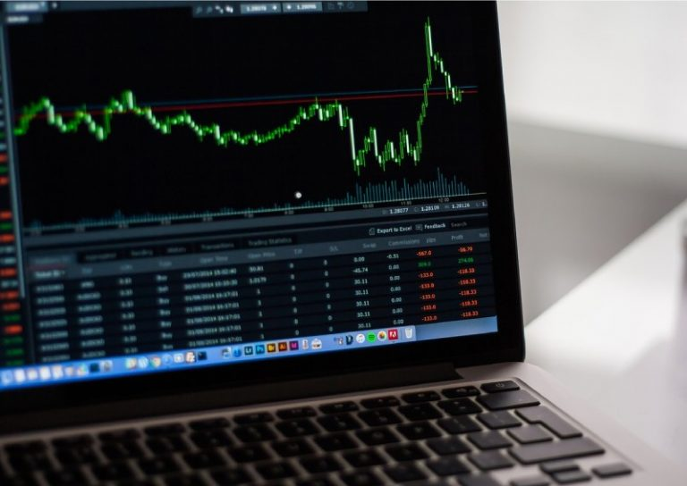 Why do many Singaporeans perform poorly investing in the stock market?